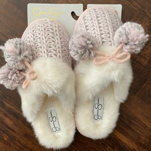 Jessica Simpson slippers. Size M (7-8)